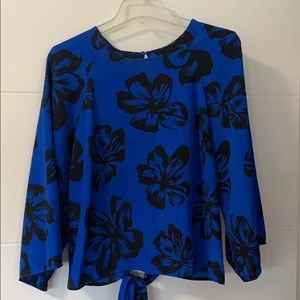 Tops - Royal blue and black flower print top